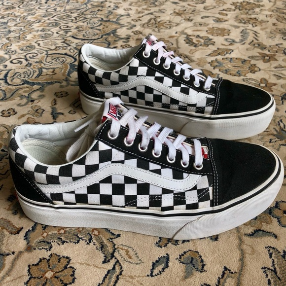 8c80405f5bf Vans Off The Wall Checkered Old Skool Platform. M 5b7347a90945e099850caf06